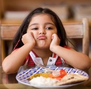 bambini che non mangiano