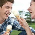 Ecco perché la risata è la chiave per costruire una relazione