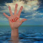 Aiutare gli altri ci rende molto felici: ce lo conferma uno studio dell'Università di Oxford!