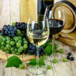 Siete alla ricerca di un dono perfetto? Ecco un'idea: regalare vino con etichetta personalizzata!