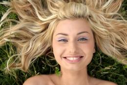 metodi naturali per schiarire i capelli