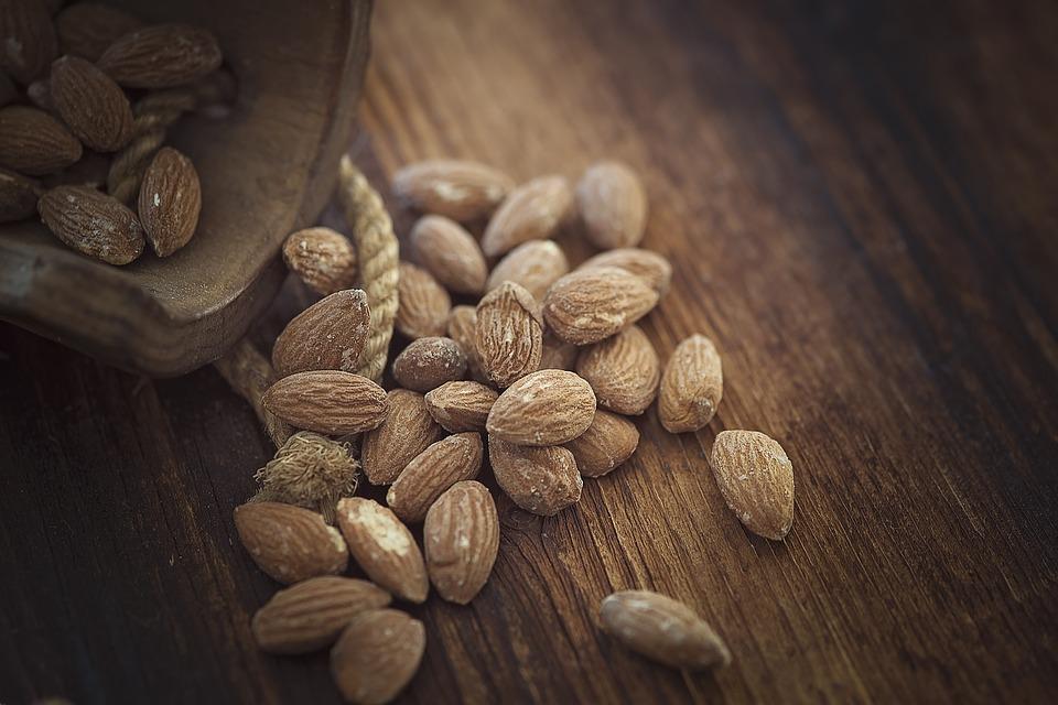 almonds-1266908_960_720